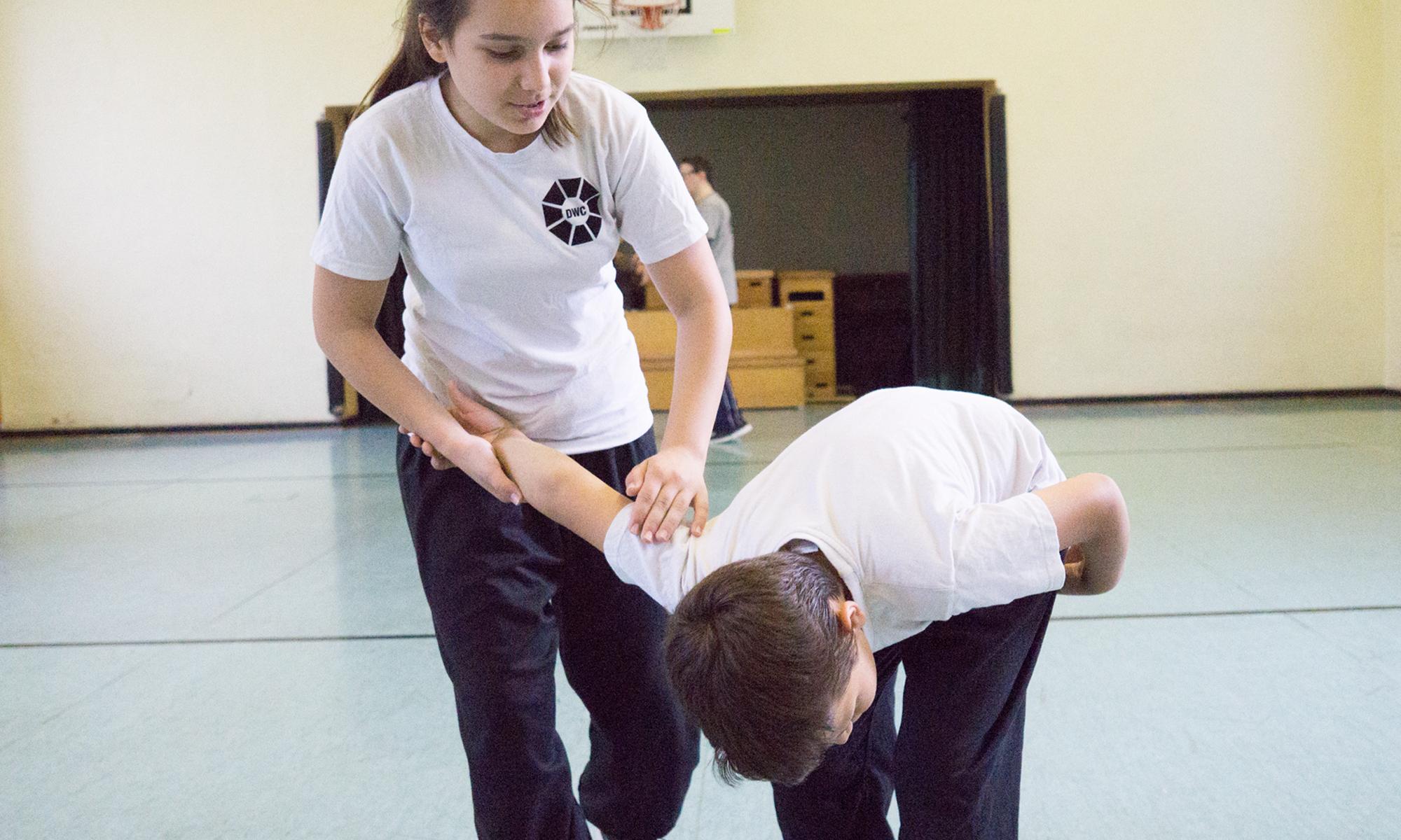 Kinder lernen Selbteverteidilgung